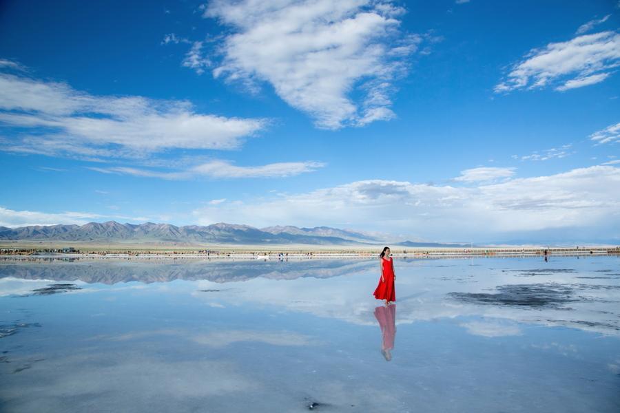 哪个季节最适合去敦煌旅游,10月去有哪些景点推荐?