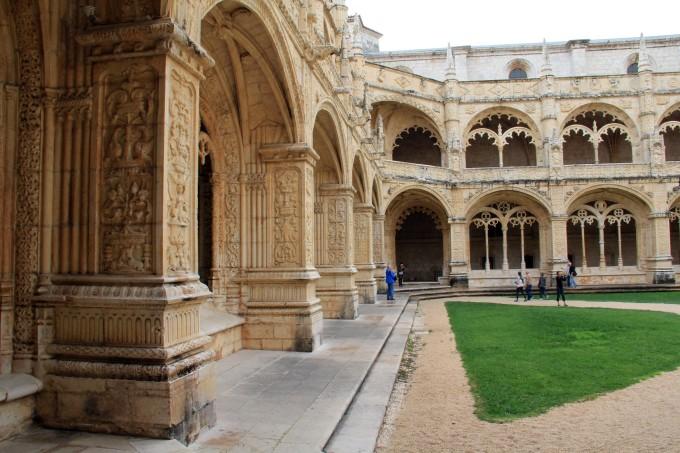 欧式建筑风格柱廊内庭