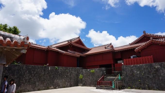 从15世纪至19世纪是琉球国的都城所在地和王宫,首里城是琉球王国的