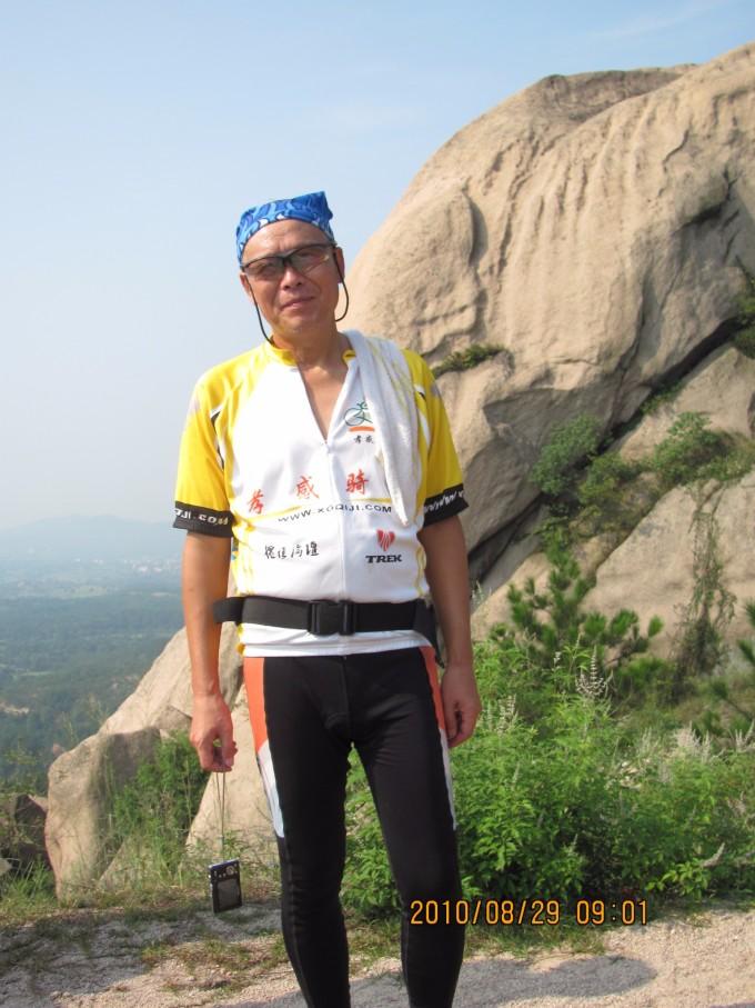 高铁孝感北站与风景区直线距离25公里;铁寨风景区位于湖北省大悟县