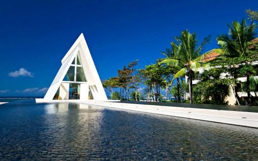 属于巴厘岛特有的悠闲假期……巴厘岛港丽酒店的无限教堂(infinity ch
