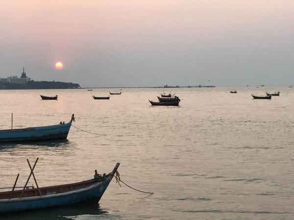 泰国 游记           来一次泰国,从曼谷到芭提雅到格兰岛一路走来,大