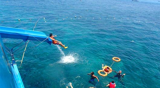 巴厘岛蓝梦岛深度海滩一日游 海底漫步 无限浮潜 香蕉船 海上滑梯