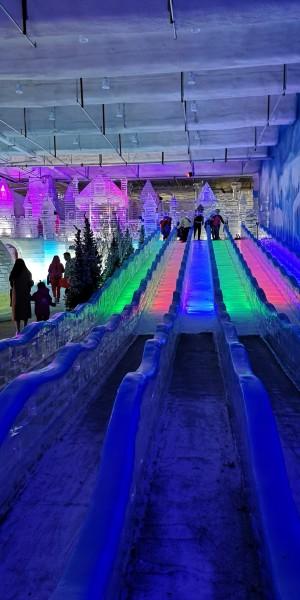 近郊的清凉之旅 银基冰雪世界周末一日游