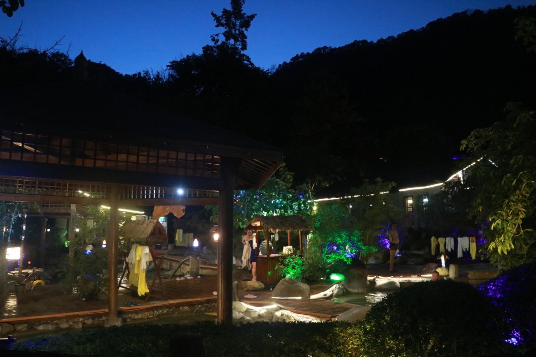 中国温泉朝圣地旅游推荐:赏火山奇观 泡热海温泉