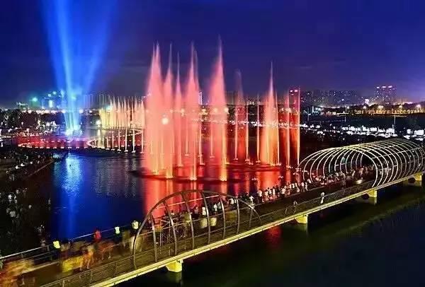 长沙旅游攻略:长沙攻略必游景点+游玩推荐+周边吃喝