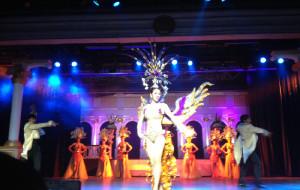 泰国娱乐-金东尼人妖秀