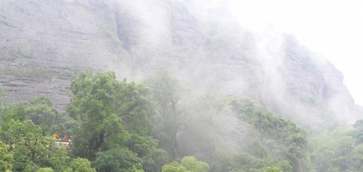 斗岩风景区
