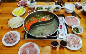黔东南美食-苗伯妈红酸汤