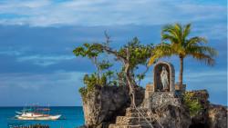 长滩岛景点-圣母礁岩(Willy's Rock)