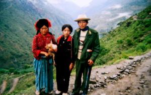 【亚丁图片】我的左脚踩到右脚(记一个女生被扔稻城至泸沽湖的深山中,经历种种险境及灵异的往事)