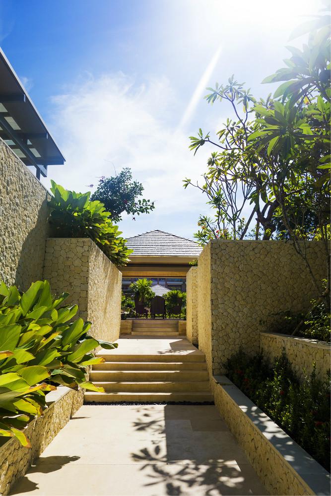 巴厘岛--独特的旅行 穆丽雅,宝格丽,勒吉安斯通酒店 图蓝本scuba潜水