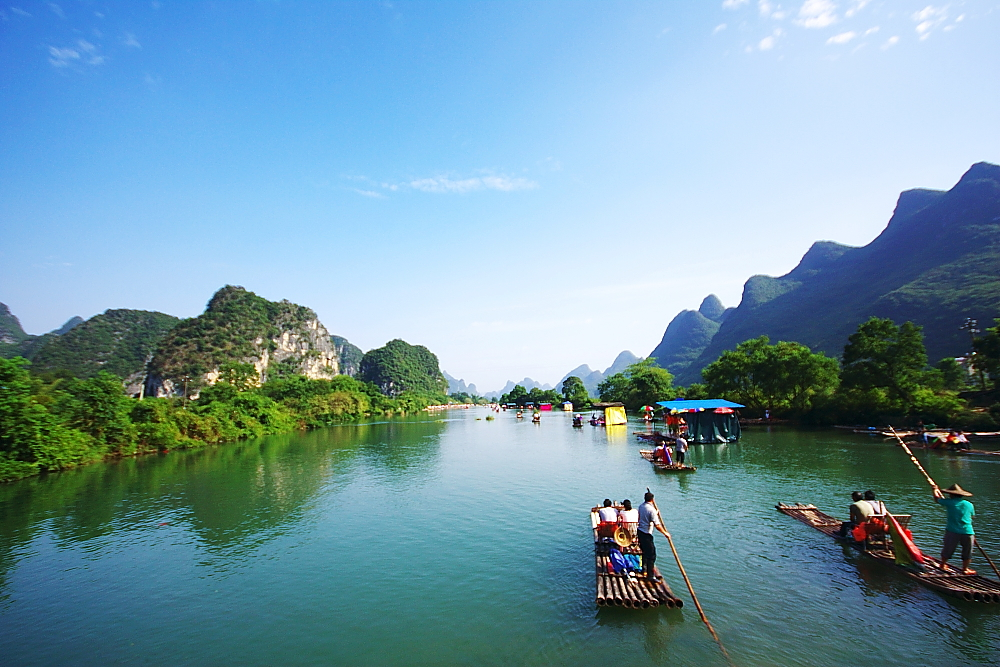 """遇龙河是漓江在阳朔境内最长的一条支流,人称""""小漓江"""",不是漓江胜似漓江.图片"""