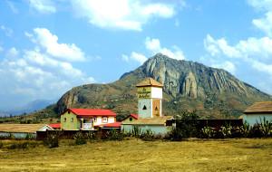 【马达加斯加图片】侏罗纪地貌的伊萨鲁:我的非洲寻梦之旅(7)