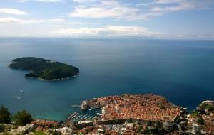 【克罗地亚图片】沿着海岸线行驶的大巴把我们从波黑带到克罗地亚而后匆匆走过巴尔干四国