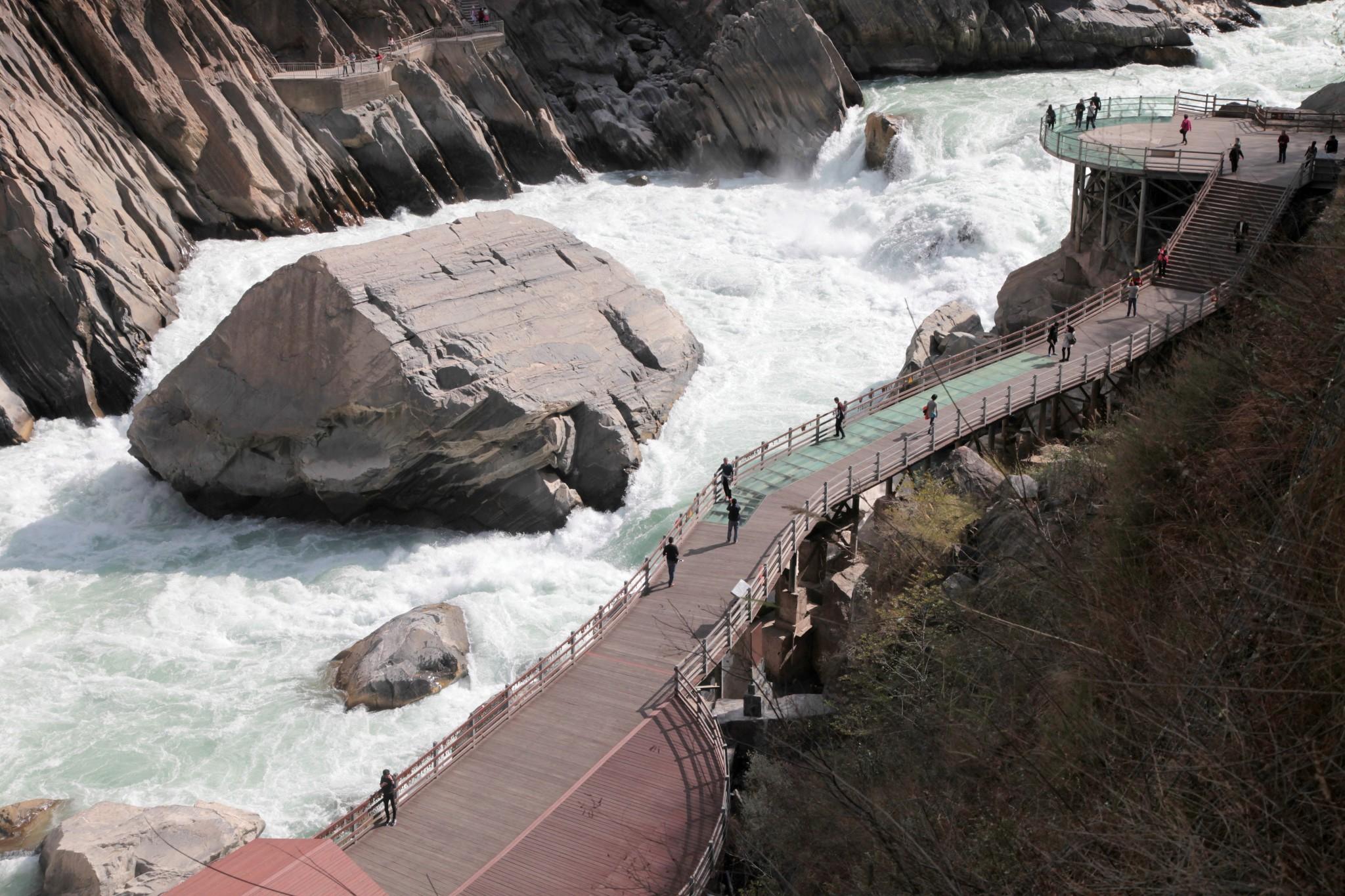 yunan lijiang tiger leaping gorge