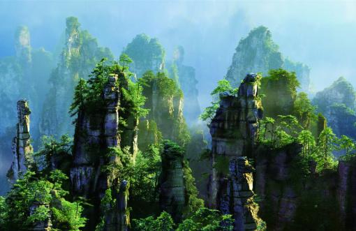 张家界国家森林公园 杨家界 袁家界 天子山 天门山 凤凰古城4天3晚(游