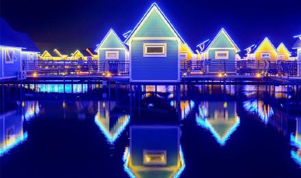 唐山月坨岛荷兰风情水上小木屋一晚
