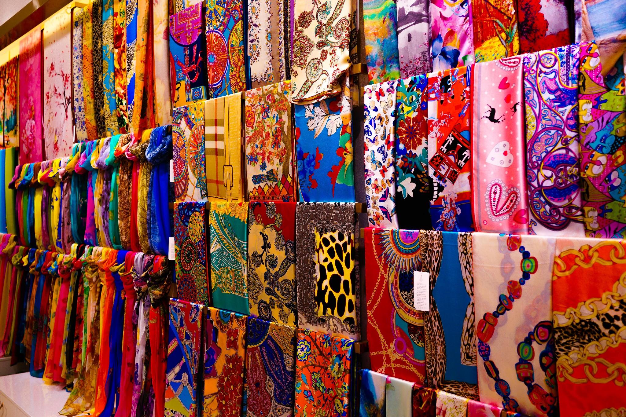杭州丝绸哪里可以买到正宗的,本地人都在哪里买杭州丝绸