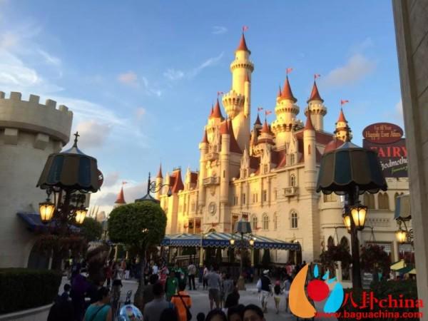 样子,阳光洒在城堡上 像一幅美丽的画!-原创 狮城自游行 慎入 107P图片